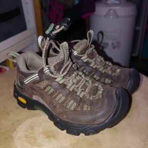 Keen hikwrs size 8 toddlers